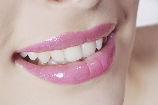 Woman made-up lips   © Castejon Aline/Oredia