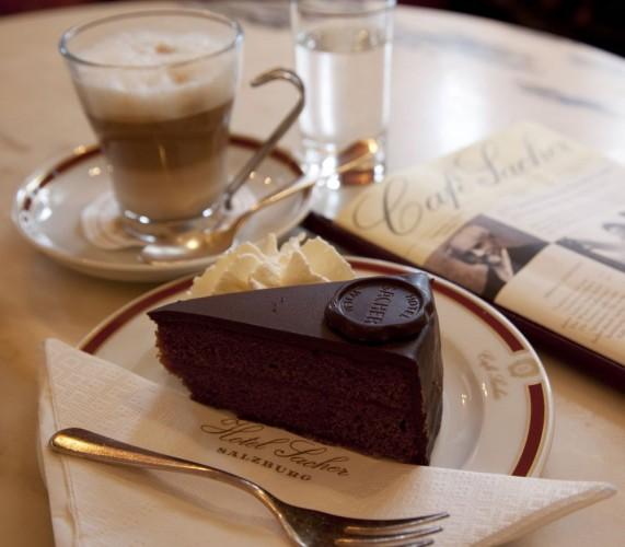 Austria, Salzburger Land, Salzburg, Sacher Hotel Cafe, Sachertor