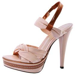 Sandale, Il Passo