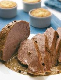 Friptura, carne de vita, budinca Yorkshire