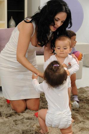 TVR 1, Bebe magia, Andreea Marin Banica