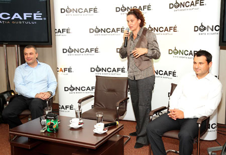 Marius Melesteu, Maia Morgenstern, Razvan Mircea la Doncafe