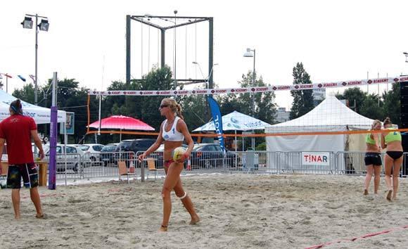 Beach Experience la Plaza Romania