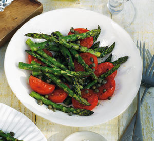 Salata de rosii si sparanghel