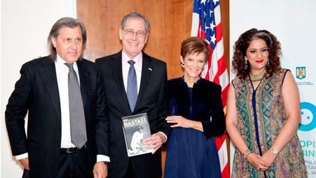 Ilie Nastase, E. S. Dl. Mark Gitenstein, Ambasadorul SUA, D-na Ambasador Gitenstein, Wajiha Haris, presedinta Fundatiei Scheherazade