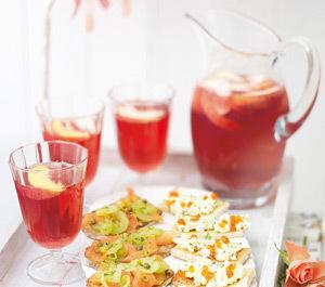 Cocteil de vin cu fructe