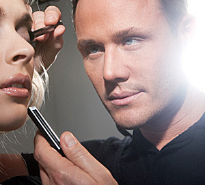 Oriflame si LOOK cauta Make-up Artist!