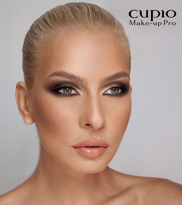 makeup pro moni