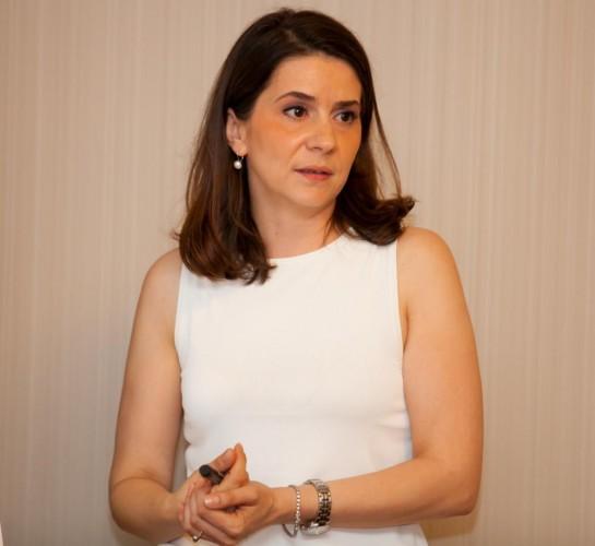 Simona Tofan 3-pre