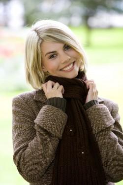 Blonde Frau im Herbst Portrait, blonde woman in autumn