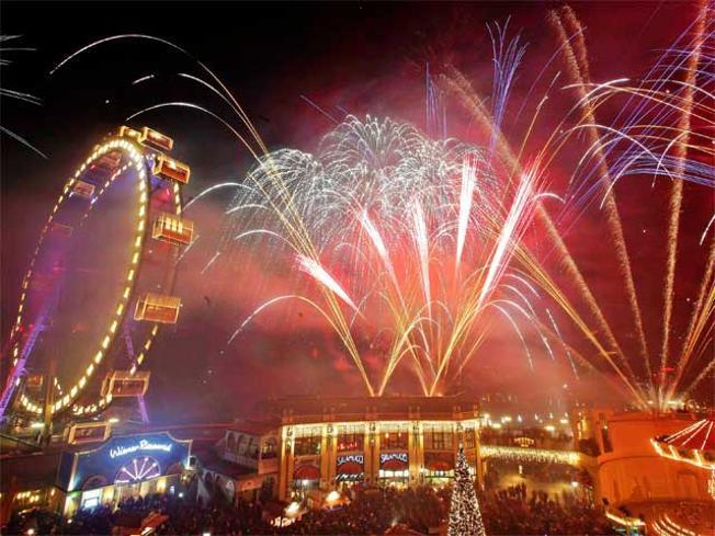 viennas-giant-ferris-wheel-during-new-year(1)
