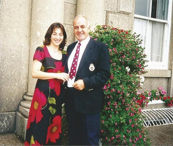 Doina si sotul sau, Mike Straton