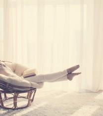 femeie-relaxeaza