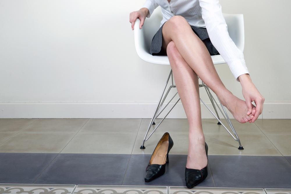ce pot face ca picioarele și picioarele să nu se umfle