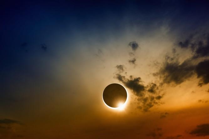 eclipsa-solara-2