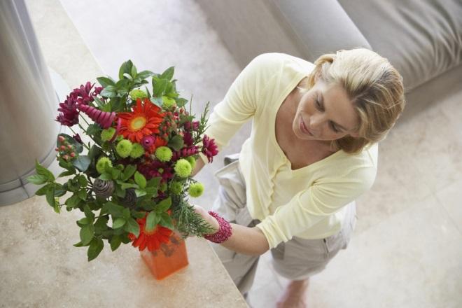 Cum prelungeşti viaţa florilor din vază