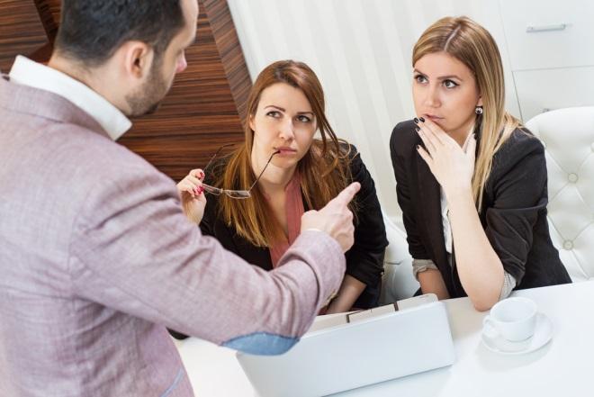 TEST Te laşi influenţată de critici