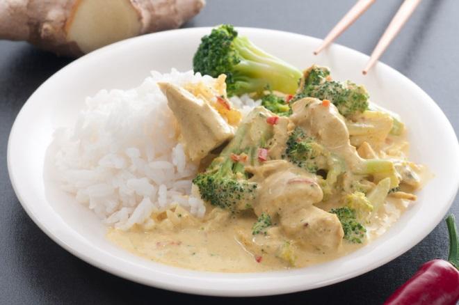 Pui cu orez și broccoli