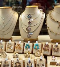7 bijuterii pe care trebuie sa le ai