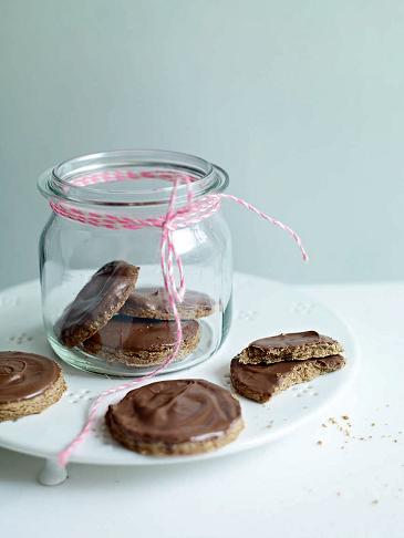 biscuiti digestivi cu ciocolata