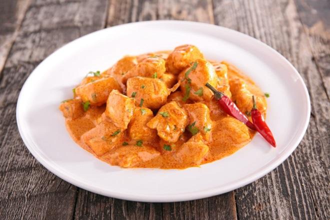 pui cu sos curry