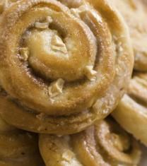 Spirală cu mere și glazură de caramel