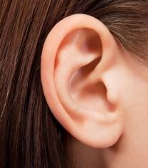 cum sa iti cureti corect urechile fara sa folosesti betisoare