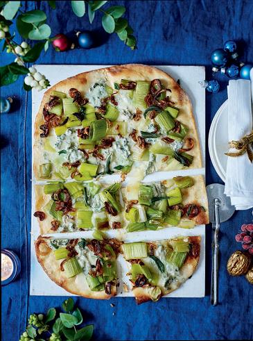 pizza cu praz si branza roquefor