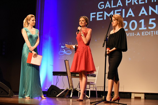 Cosmina Grigore, premiul Femeia Anului 2015, categoria Initiativa in sprijinul semenilor