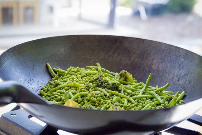 legume verzi cu susan si usturoi