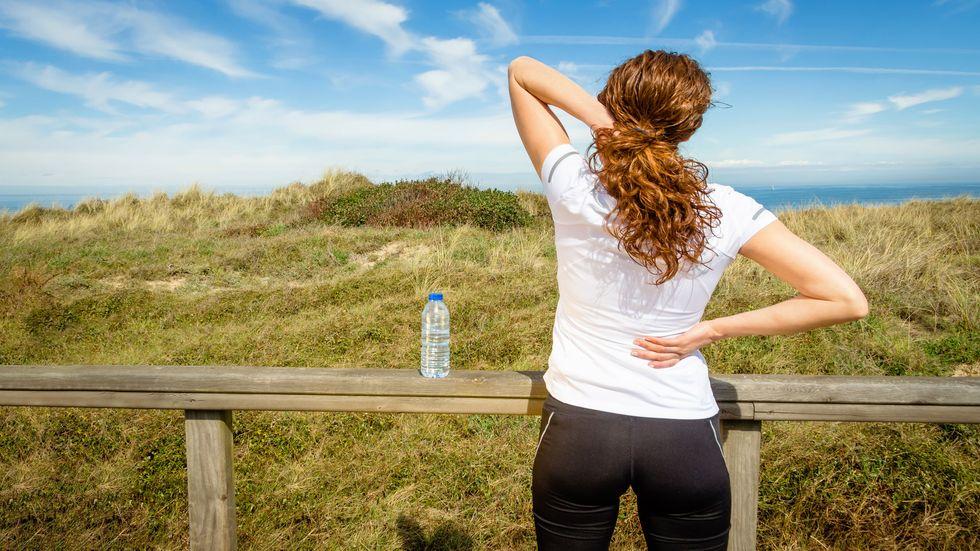 Femeie durere spate