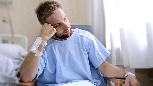 barbat in spital