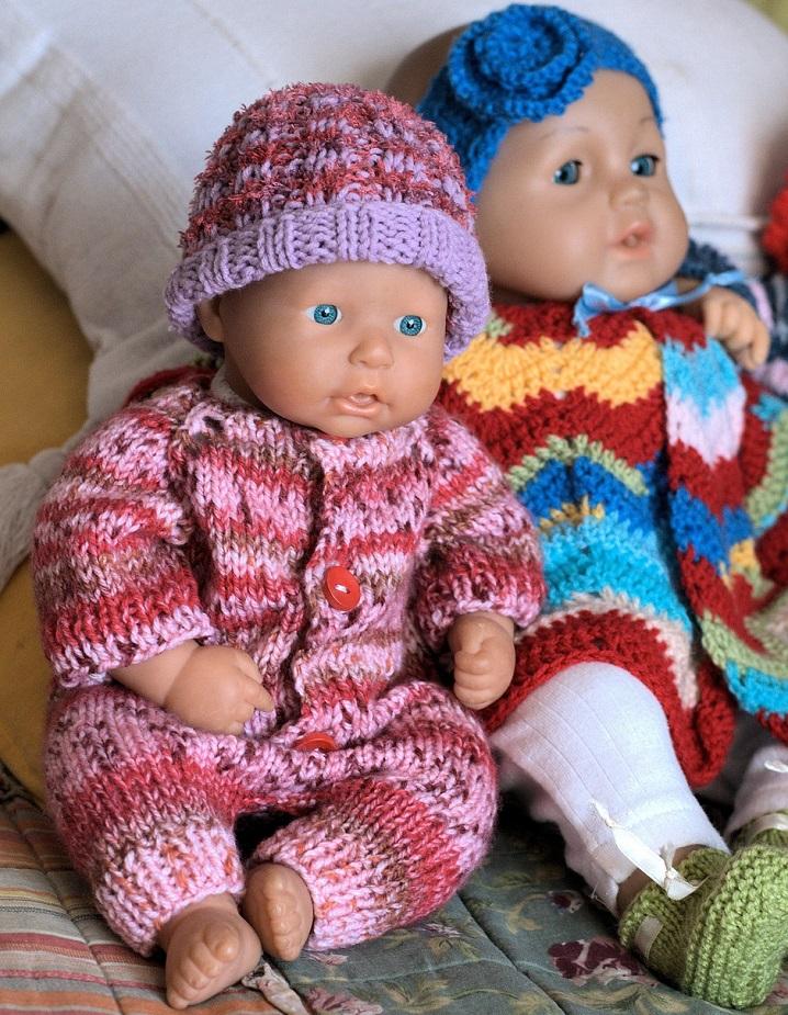 papusi-cu-hainute-tricotate