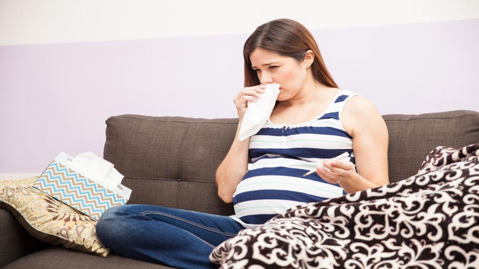 Din cauza sistemului imunitar slabit, femeile insarcinate racesc mai usor