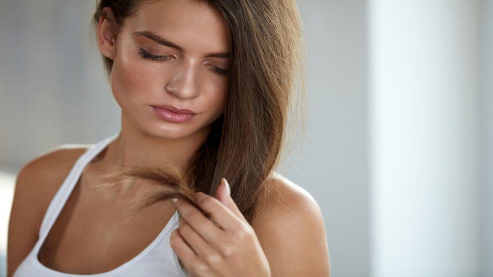 Părul degradat este o problemă frecventă.
