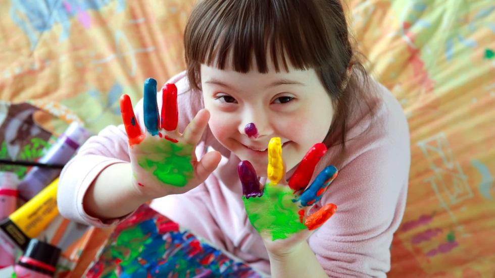 Copil cu dizabilitate