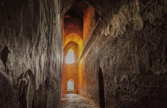 labirint de piatra