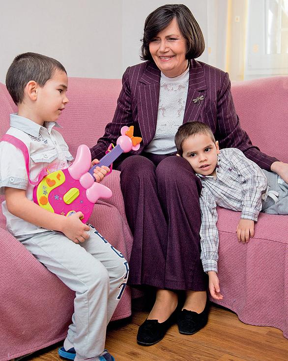cornelia mihaescu si copiii