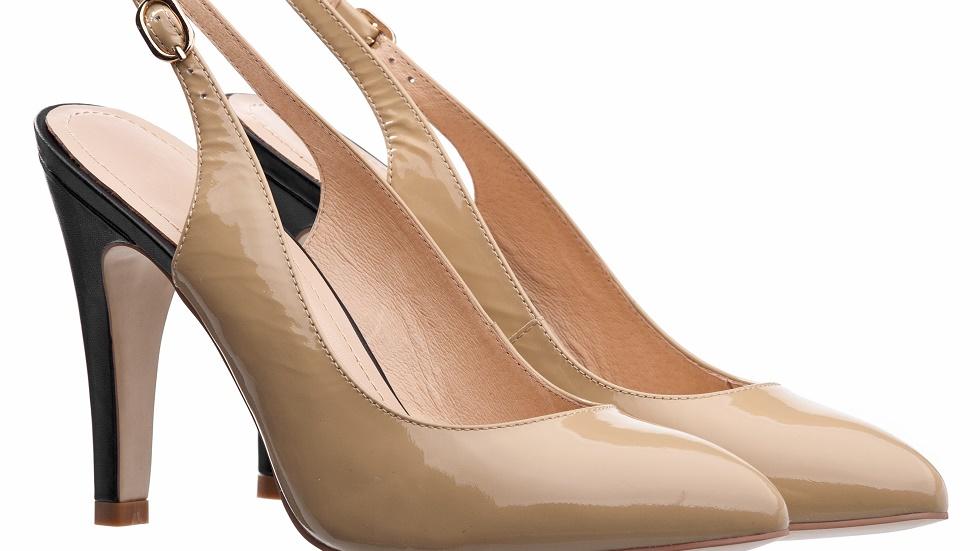 pantofii cu calcaiul decupat