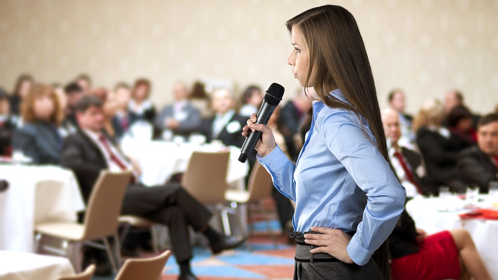 vorbitul in public