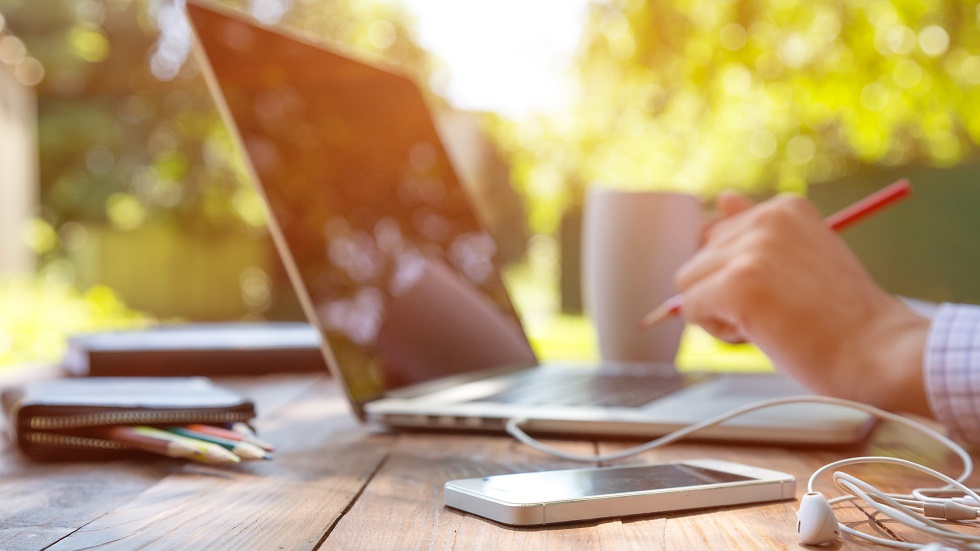 Care sunt beneficiile lucratului la distanță