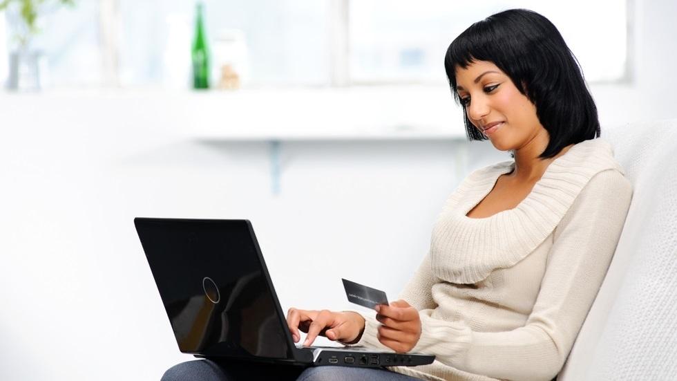 10 sfaturi pentru a evita surprizele neplăcute când rezervi vacanța pe internet