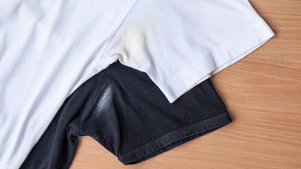 cum poți scăpa de petele de deodorant