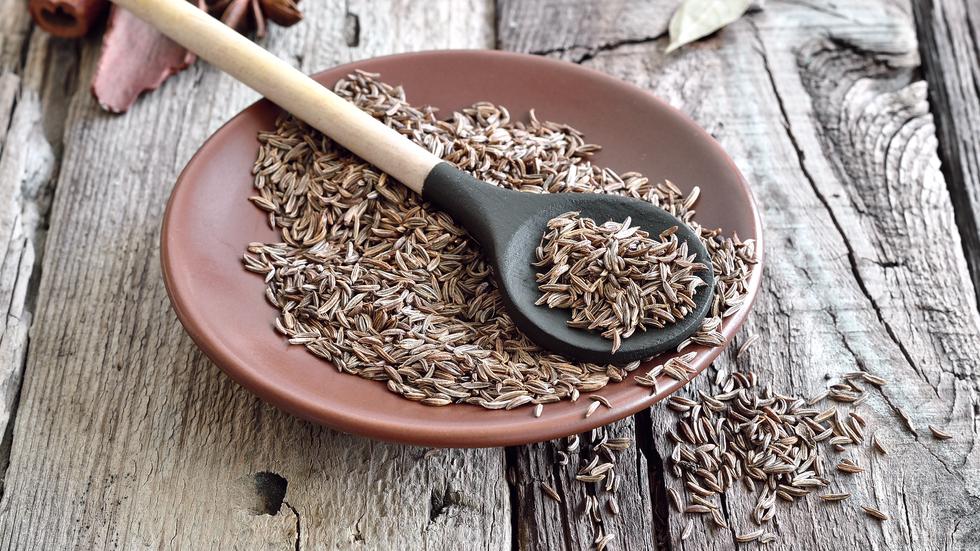 semintele de chimen ajuta la slabit