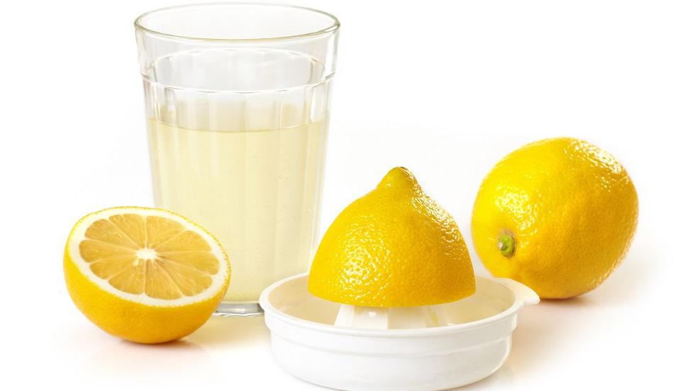 sucul de lămâie te scapă de pofta de dulce
