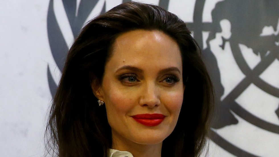 Angelina Jolie hărțuită sexual