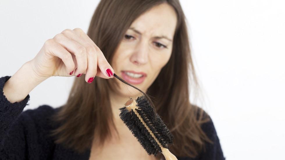 De ce ne pică mai mult păr toamna