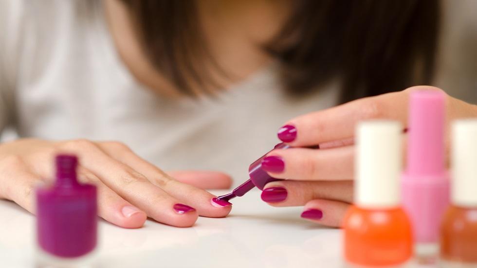 cum să faci bani pe extensia unghiilor acasă