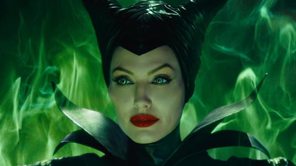 1 Decembrie la televizor, Angelina Jolie, Maleficent