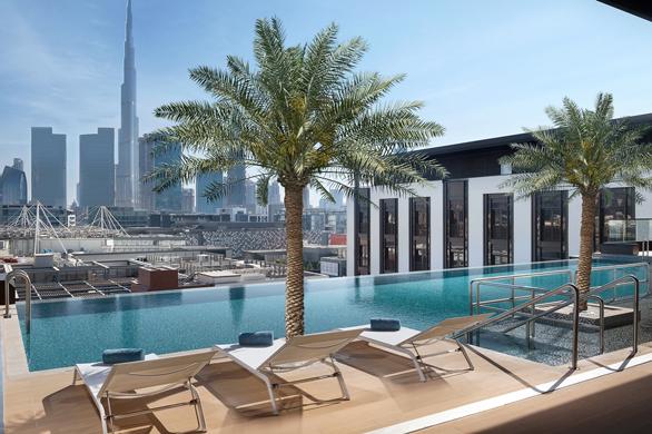 Piscinele din Dubai: La Ville Hotel & Suites – City Walk